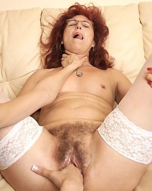 MILF Choking Porn Pictures