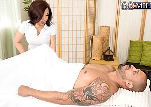 MILF Massage Porn Pictures