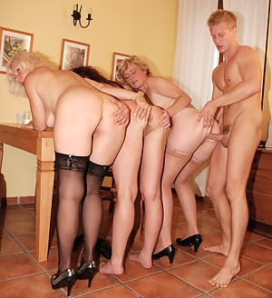 MILF Ass Fucking Porn Pictures